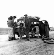 Hist us 20 1929 crash 30s depression pic car tires pea pickers 1936